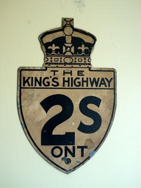 HWY 2S ROUTE MARKER - © Cameron Bevers