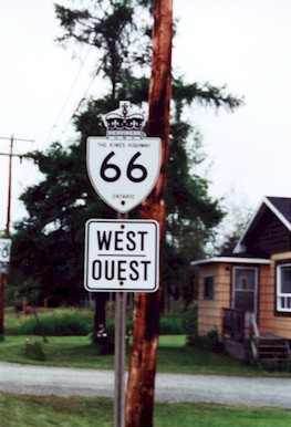 HWY 66 ROUTE MARKER - © Cameron Bevers