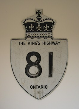 HWY 81 ROUTE MARKER - © Cameron Bevers