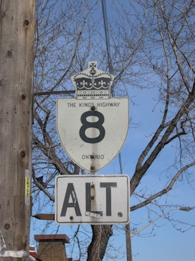 HWY 8 ALT ROUTE MARKER - © Cameron Bevers